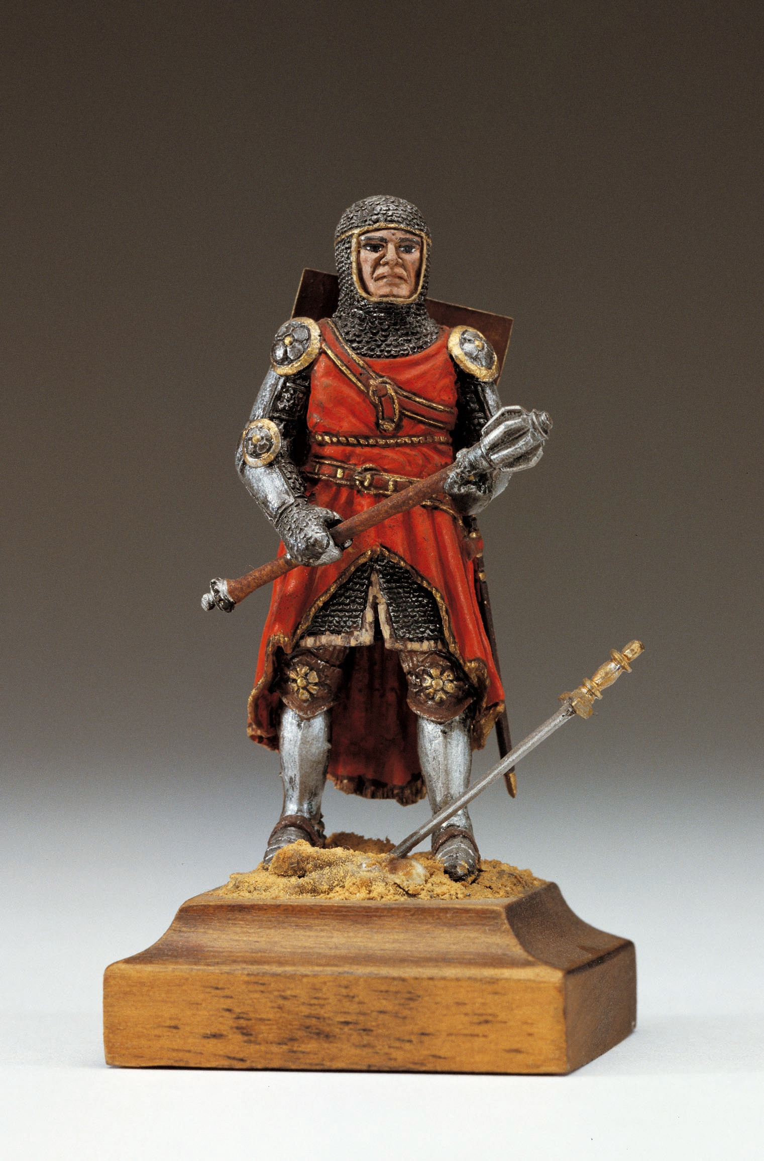 English Knight Figurine, XIV Century (Amati)