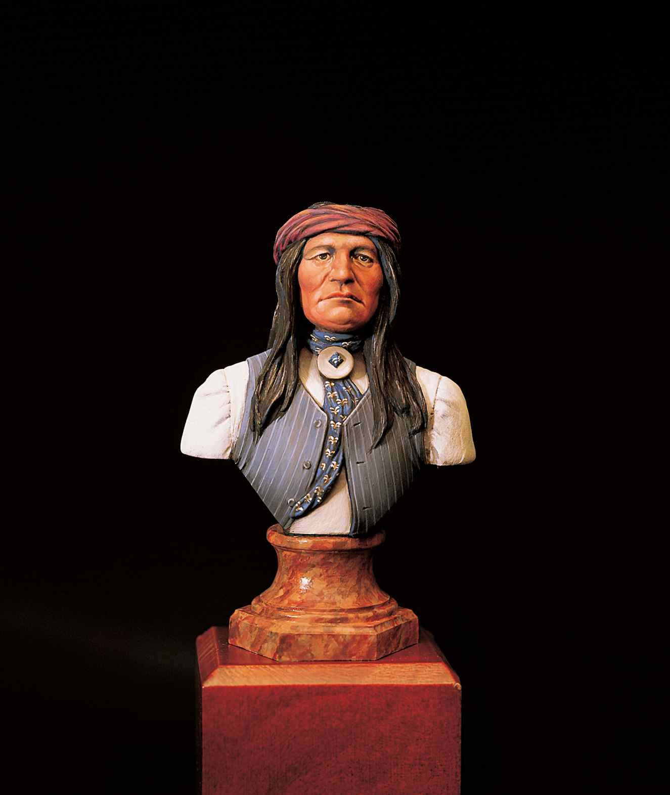 Apache Warrior Bust (Amati)